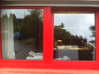 Relativ trend-neu - Fensterrahmen mit Folie bekleben HH04